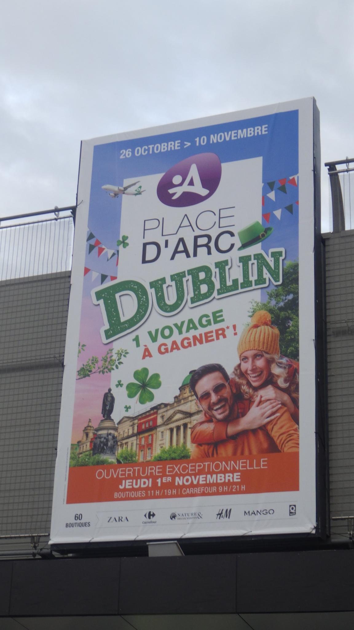 Bâches Parvis Centre Commercial Place d'Arc